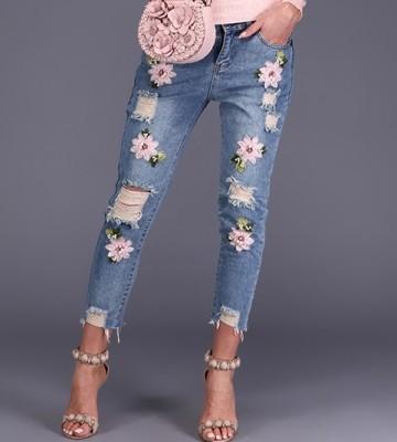 74aaf67f WOMAN'S TROUSERS ANNA BIAGIOTTI Jeansowe Spodnie + Haftowane Kwiaty +  Przeszycia swobodne jeans kwiaty haft prontomoda